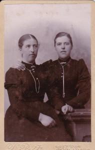 Kirstine og Hanne 1897